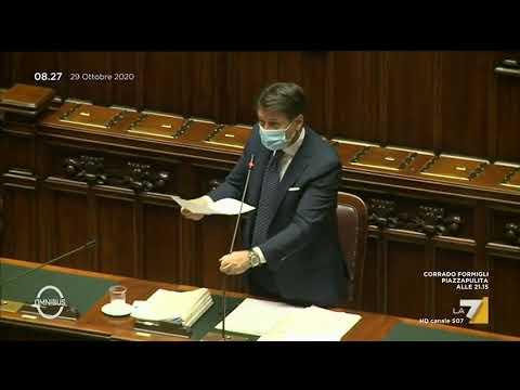 Coronavirus, il premier Giuseppe Conte illustra i nuovi decreti in un clima di tensione