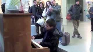 Street piano Kings Cross. Waldstein Piano Sonata No.21 1st movement by Beethoven, Play Me I'm Yours.
