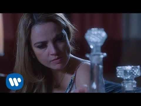 Yo Sigo Aqui - Lupita D' Alessio  (Video)