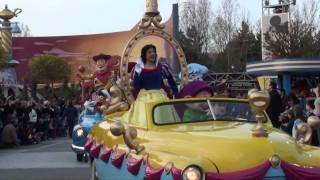 Disneys Stars N Cars Arrival - Disneyland Paris Mickeys Magical Party HD