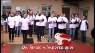 preview picture of video 'Écoute s'il joue, crèche parentale en lutte - Gourdon'