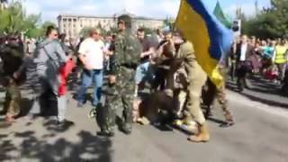 """Видео из """"Фейсбука"""": драка """"афганцев"""" и АТОшников"""