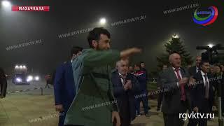 Боец ММА Забит Магомедшарипов вернулся в Дагестан