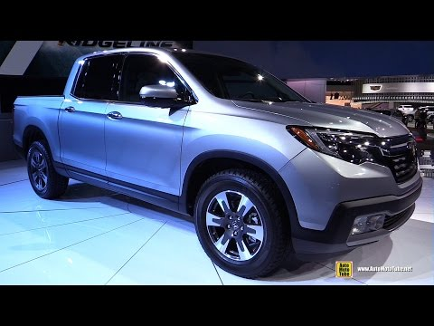 2017 Honda Ridgeline - Exterior and Interior Walkaround - Debut at 2016 Detroit Auto Show