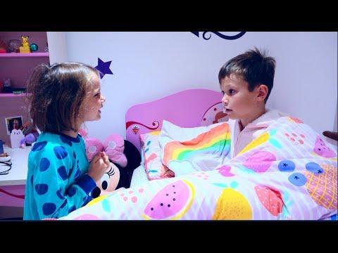 24 часа Challenge   Mакс и Катя поменялись комнатами / 24 Hours in my brother's room