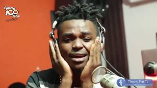 Download Video Aslay: Mama Yangu Alifariki hakumuona Mwanangu, Angekuona ni Maalum Kwa Mwanangu sio Demu Wangu MP3 3GP MP4