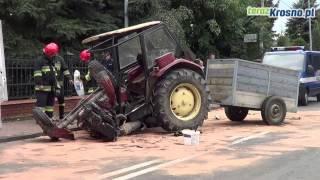 Zderzenie samochodu dostawczego z ciągnikiem rolniczym w Jedliczu