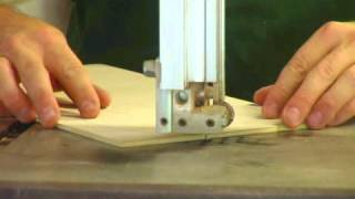How Do You Operate a Band Saw?