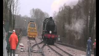 preview picture of video 'Steam at last! 1638 Runs Round at East Grinstead Bluebell Railway Station'