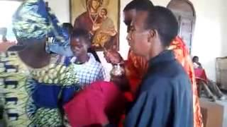 preview picture of video 'Ορθόδοξη Λειτουργία / Muyange Burundi [2]'
