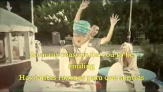 Brandon and Leah - Life Happens (Official Music Video) [Español+Lyrics]