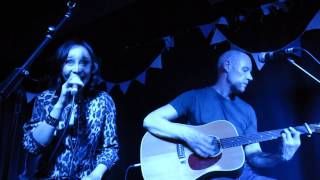 Echobelly (acoustic) - Dark Therapy (Surya, London, 12/06/2013)