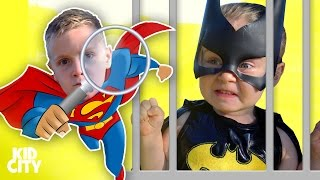 Kids on a Treasure Hunt! SuperHeroes in Real Life with Superman & Batgirl in Jail!