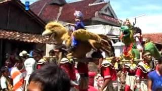 Gambar cover 14 Pecak Welut Keliling Naga Dangdut Trinanda Muda