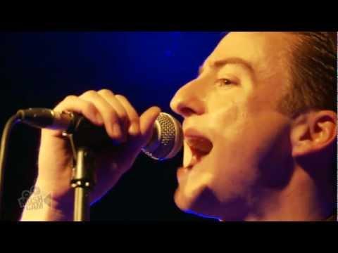 Eugene McGuinness - Japanese Cars (Live in London)   Moshcam