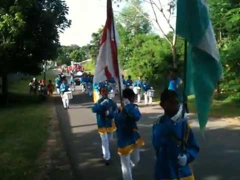 Parade Undian Hadiah Simpedes Smt. 2 Th. 2012 BRI Cabang Saumlaki 3
