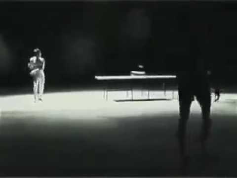Bruce Lee jogando tenis contra Dois caras! Mito
