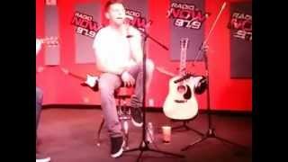 Chris Richardson singing Joy & Pain live