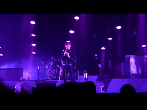 Kaiser Chiefs - Na Na Na Na Naa live Liverpool Echo Arena 31-01-15