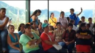 preview picture of video 'ANSPE SAMANA RED UNIDOS. SESIÓN COMUNITARIA. LAS CIRCACIA. Mayo de 2012'