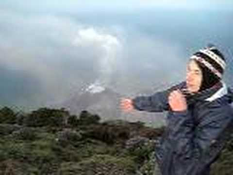 CNN auf dem Vulkan Santa Maria