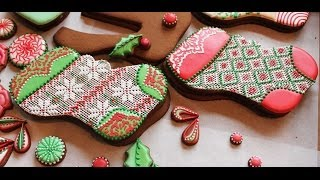 How to Pipe A Needlepoint Pattern with Royal Icing (aka Argyle Pattern on a Stocking Cookie)