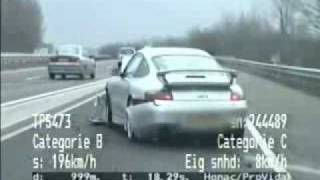 Verfolgungsjagd: Porsche vs. Polizei   Chase: Porsche vs. Police
