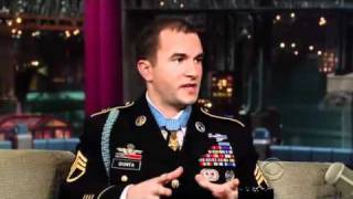 Staff Sgt. Salvatore Giunta on David Letterman (2010.11.24) 3