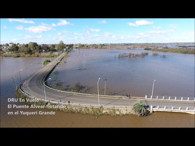 VIDEO: Impactantes imágenes del puente Alvear casi flotando en el Yuquerí Grande