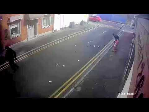 Video: Strong wind blows stolen money from  armed robbers' pockets