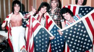 THE BAY CITY ROLLERS   KEEP ON DANCING.wmv
