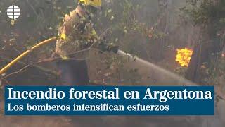 Bomberos intensifican esfuerzos en la extinción de un incendio en Argentona