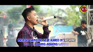 Download lagu Gery Mahesa Cobo Kowe Dadi Aku Mp3