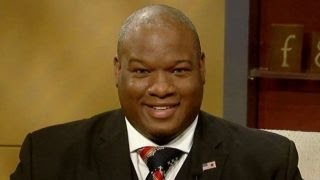 Pastor backing Donald Trump battles Rev. Al Sharpton
