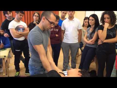 Come trattare gli aghi articolazioni