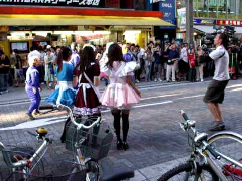 Taping of Kirsten Dunst Turning Japanese - Akihabara
