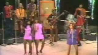 Ike & Tina Turner - River Deep Mountain High 1971 (including intro)