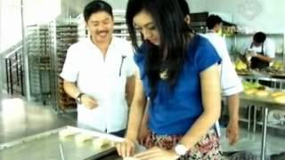 Bosan Jadi Pegawai TransTV  Angkat Derajat Roti Jalanan Sukses Raih Untung Besar 2 Sep 2012