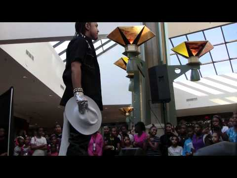 Iyse Gibson Performs Live at Heal the Hood Anti-Bullying Rally