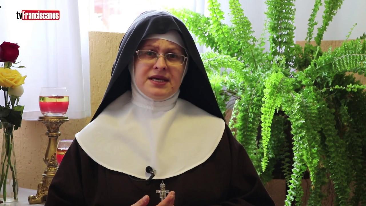 Clara por Claras: Protegida pela Eucaristia