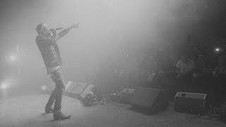 Kadr z teledysku You And Me tekst piosenki Yelawolf