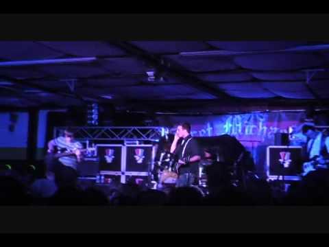 Reverant Skye- Over Me at Yellowbeards 12-17-11