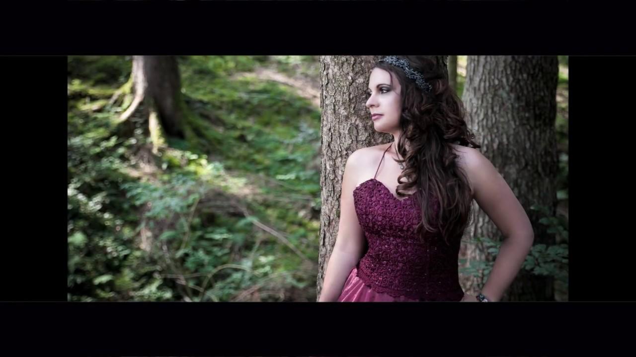 Tanz der Erinnerung, selbstkomponiertes Lied von Dina