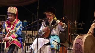 """""""Ээлу-Кай"""" алтайские музыканты приехали поздравить Нац.оркестр Тувы с юбилеем"""