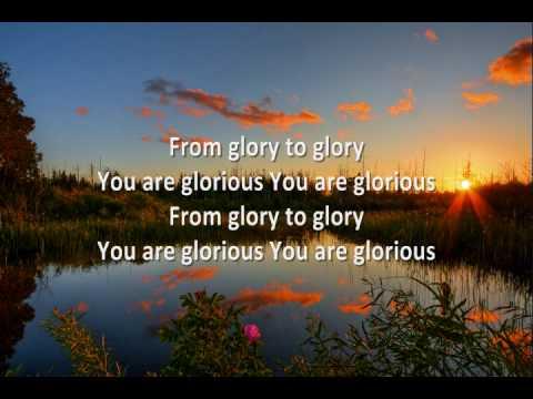 Música Everything Glorious