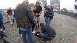 Street Scam In Paris