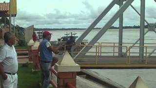 preview picture of video 'Rio Madeira - Humaitá/AM - Porto Flutuante'