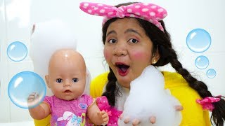 Bath Song Nursery Rhymes Song for Kids from Johny FamilyShow
