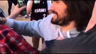 Драка : Noize MC VS Юрий Хованский