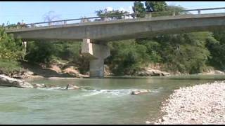 preview picture of video 'RALLY CAMINOS FRONTERIZOS 2009-RIO MACASIA-ELIAS PIÑA, REPUBLICA DOMINICANA.'